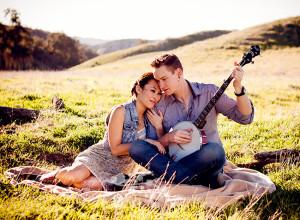 A Rustic Engagement {Beaumont Engagement Photographer}